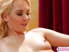Aaliyah Love seduces her hot blonde boss with a massage