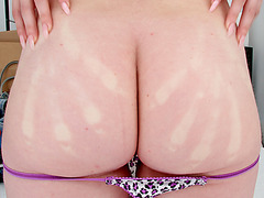 Huge boobs and butt Lilith Lust fucked while her ass bounces