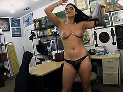 Sexy and brunette Brazilian woman sells her cello gets fucked