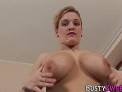 Buxom slut gets facial