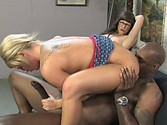 Alexandra Silk & Casey Cumz in hot 3some with black man