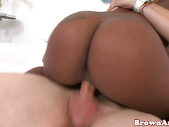 Cute bigass blackgirl fucked closeup on sofa