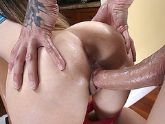 Teen ass bouncing on plumbers cock