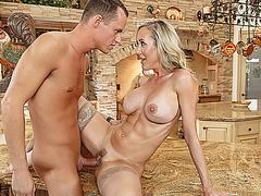 Justin Hunt ramming Brandi Loves milf pussy