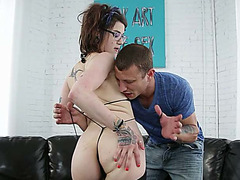 Tattooed sweetheart Severin Graves enjoys creamy and sticky facial
