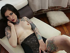 Hot and sexy punk beauty Mabel gets screwed and receives spermy facial