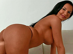 Smokin hot Evelin fucked at porn tryout