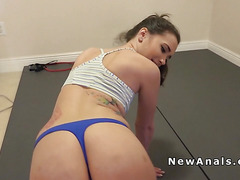 Perfect ass amateur anal bangs in gym