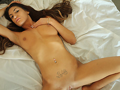 Hot chick August Ames likes morning sex