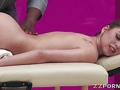 Big ass Riley Reid banged with masseur
