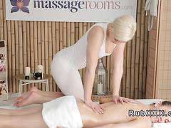 Brunette rubs cunt to blonde masseuse