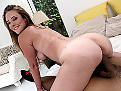 Teen girl Sam Summers jizzed on her ass