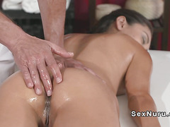 Massue gives creampie to hairy brunette
