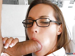 Phat ass Kelsi Monroe jizzed on glasses