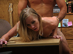 Sexy blondie babe getting her pussy fucked