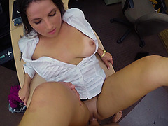 Horny hot chick loves to blow huge meaty cocks
