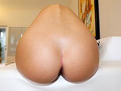 Round ass Jessie Rogers