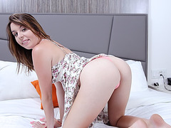 18yo gal Khloe Krush bedroom penetration