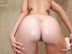 Gorgeous Scarlett Sawyer cum on big ass
