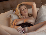 Seductive babe Alexa Johnson fingering