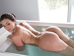 Kendra Lust is fresh out of the bathtub and goes straight in to bed