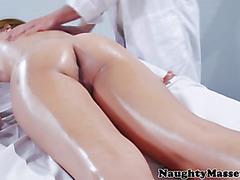 Massage loving babe gets fingered