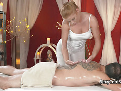 Dude got massage and tight pussy