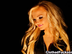 Glamour babe cum sprayed