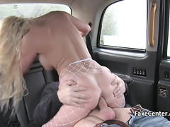 Horny blonde nailed taxi driver