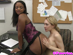 Pretty ebony les licking her gfriend