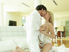 Lovely light haired babe gets screwed early in the morning