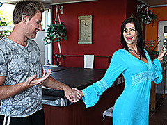 Guy Hooks Up With His Hot Stepmom!