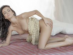 Skinny babe Sapphira in a sweet sensation through a hot solo fuck