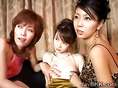 Girls fool innocent Japanese petite to get her in an orgy