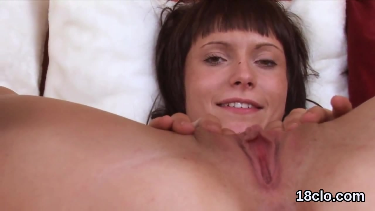 Elegant Girl Is Gaping Narrow Snatch In Close-Up And -3040