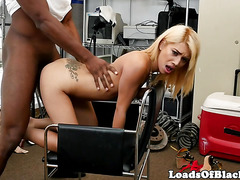 Naughty amateur casting babe fucked balls deep