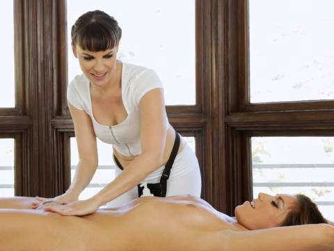Hot sexy lesbian massage