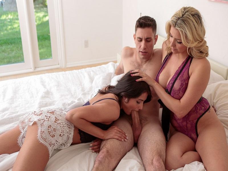 Brazilian Girls Making Out