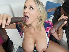 Busty MILF Julia Ann hot threesome fucking scene