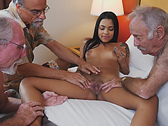Hot Latin Babe Taking Old Cocks With Her Mouth