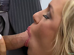 Hot fuck on the desk in classroom