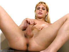 Teen blonde shemale is finger fucking big shaved shaved ass