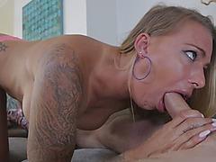 Sexy blonde mommy blowing big schlong sucking