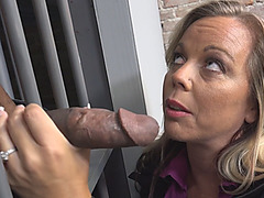 Prisonmate seduces a hot cougar in prison cell