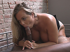 Curvy Milf Amber Riding Black Schlong In Prison