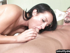 Teen babe gets her shaved pussy pounded