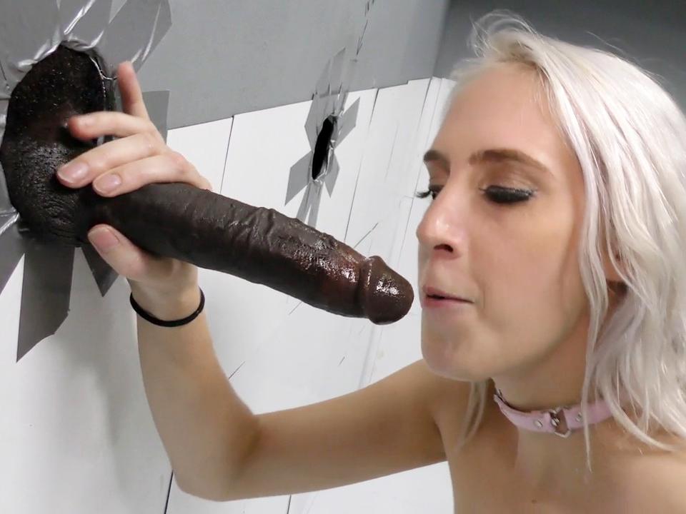 Ebony Mutter Nylon Handjob