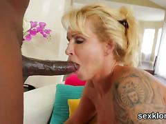 Pornstar hottie gets her anus fucked with erected penis