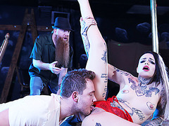 Hot tattooed stripper Leigh gets banged for a cash
