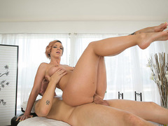 Jessy Jones screwing Jada Stevens pussy on top
